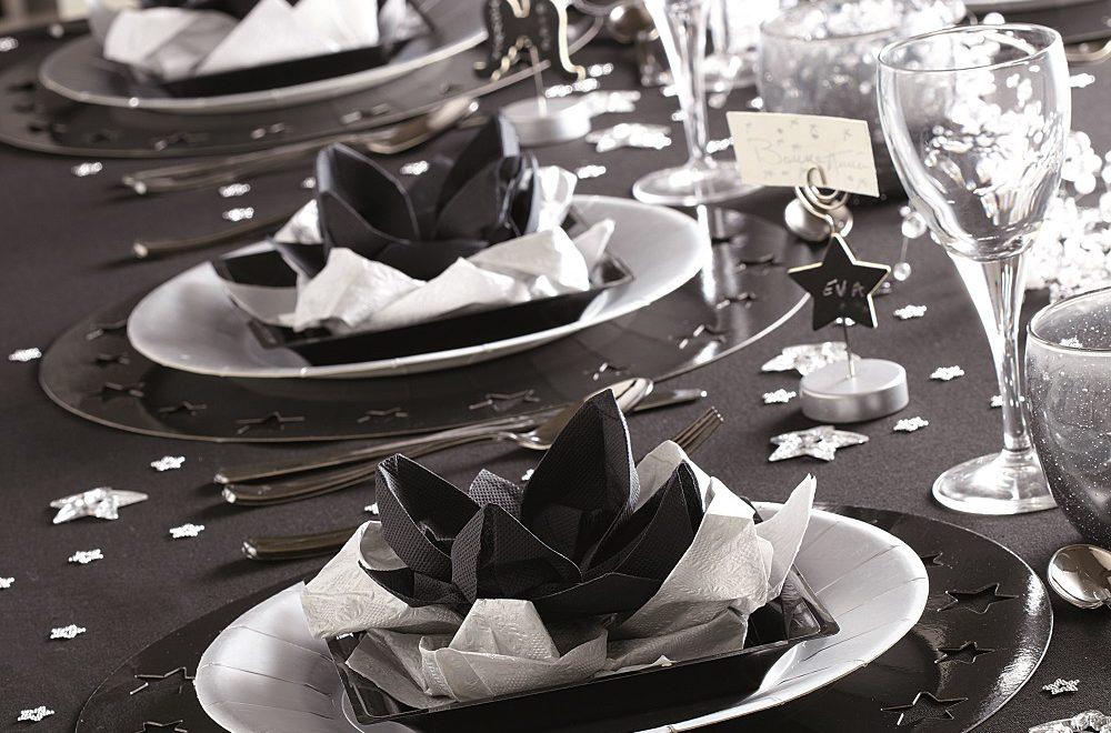 Table de noël noir et gris