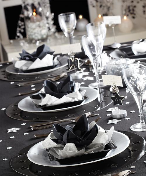 8 id es de d coration pour r ussir votre table de no l - Nappes et serviettes de table ...