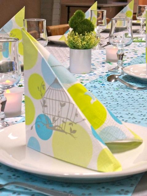 Une table de communion en douceur mesa bella blog - Nappes et serviettes de table ...