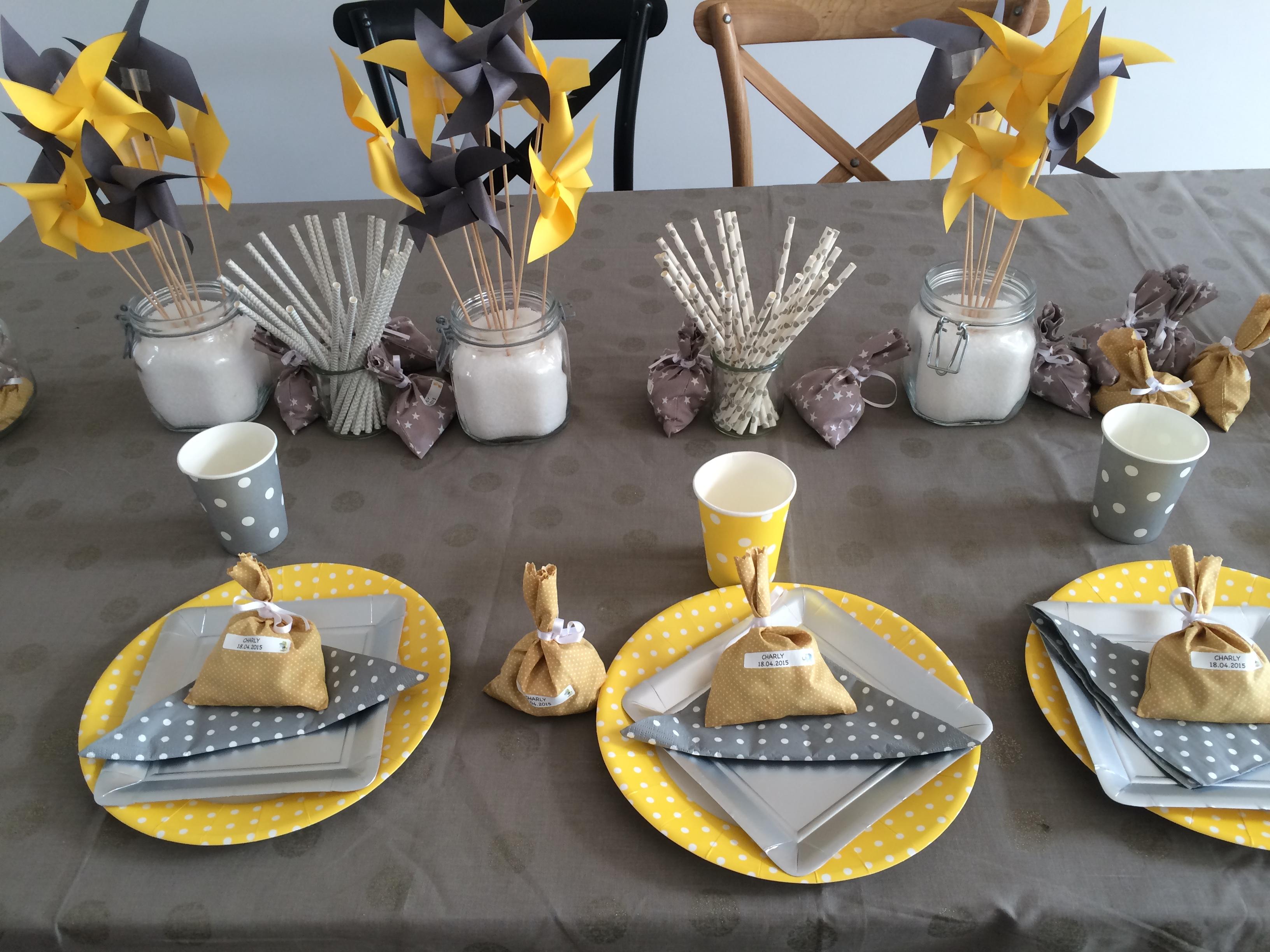 Deco Gris Et Or le joli baptême de charly, jaune et gris - mesa bella blog