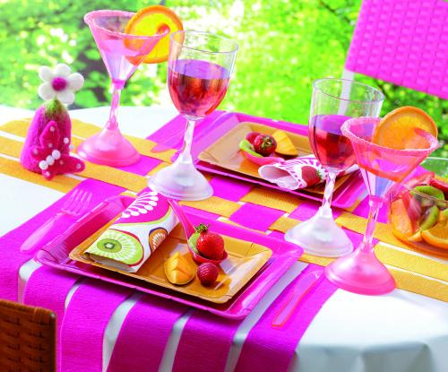 Table vaisselle framboise