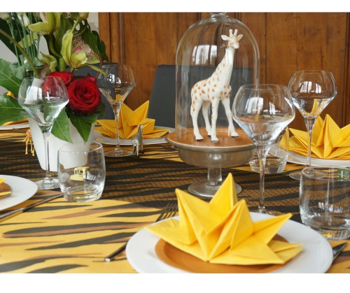 animaux sous cloche table safari