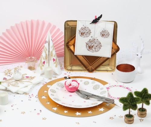 Table de Noël, déco sur le thème précieux