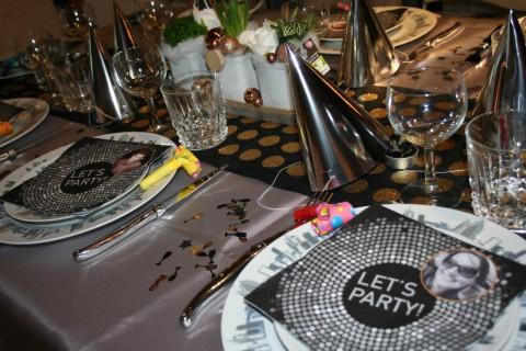 Collection table lets party réveillon Mesa Bella
