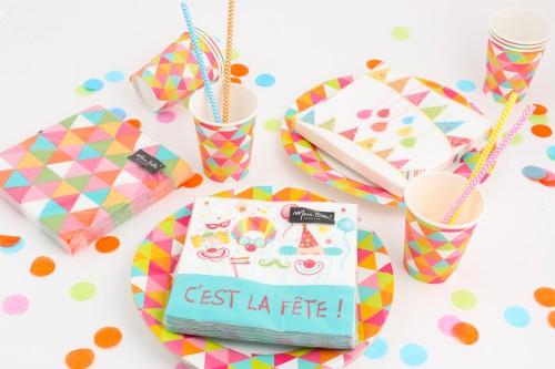 Table colorée pour mardi gras Mesa Bella