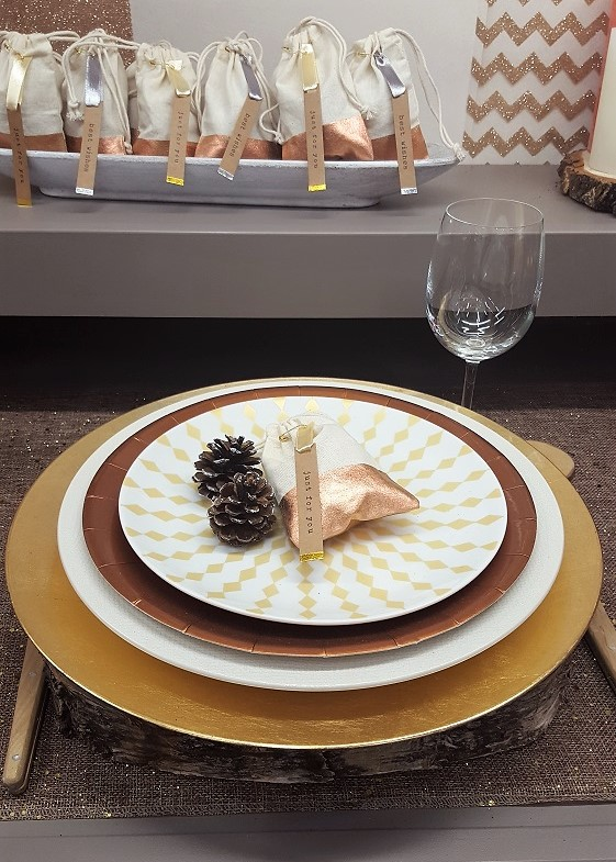 table or, pochette cadeau en lin beige et or Mesa Bella