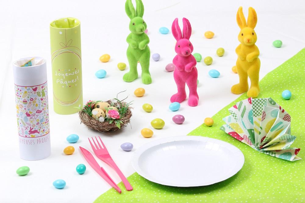 Table de Pâques colorée
