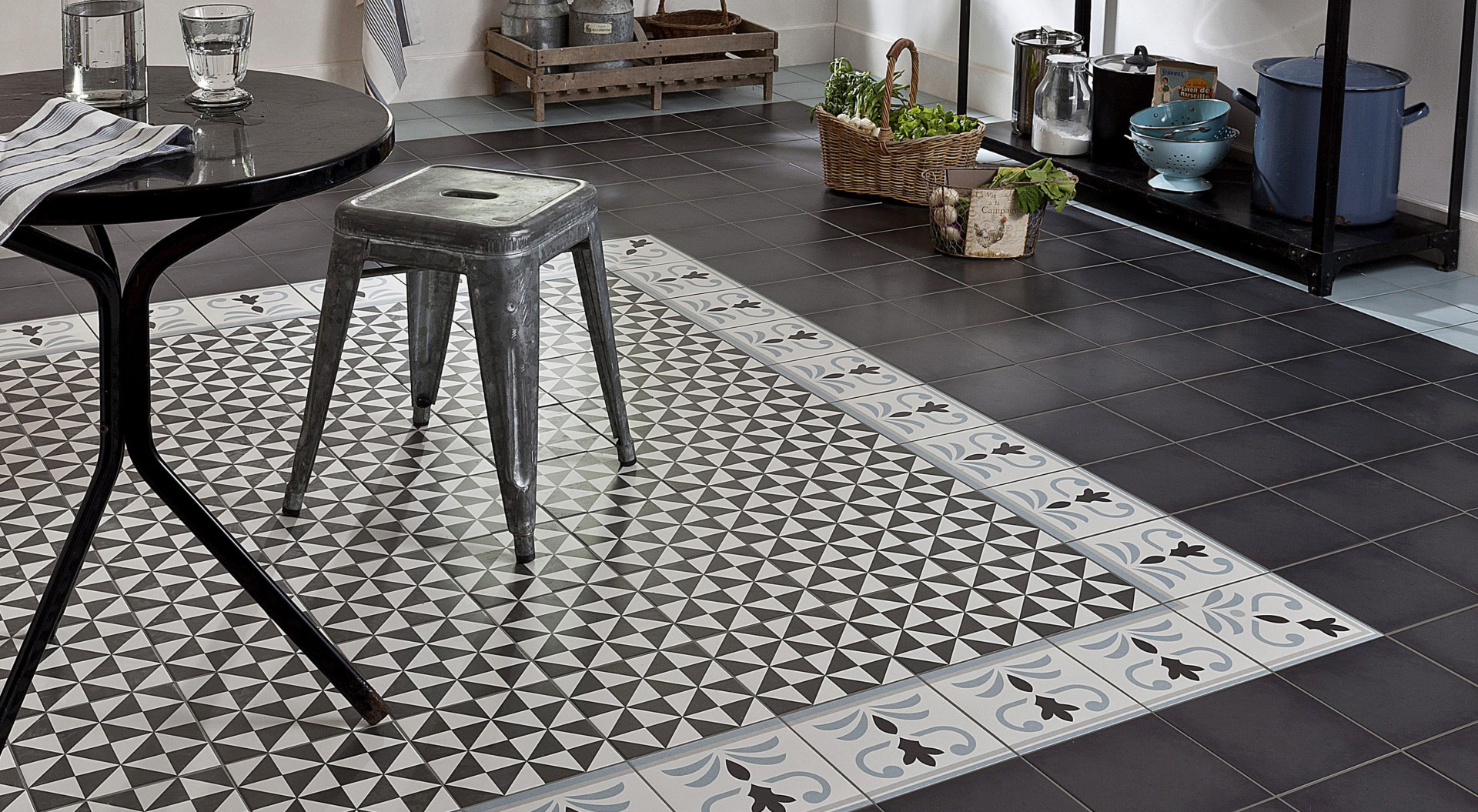 Carreaux de ciment 5 bonnes raisons d 39 adopter la for Carrelage aspect carreaux de ciment
