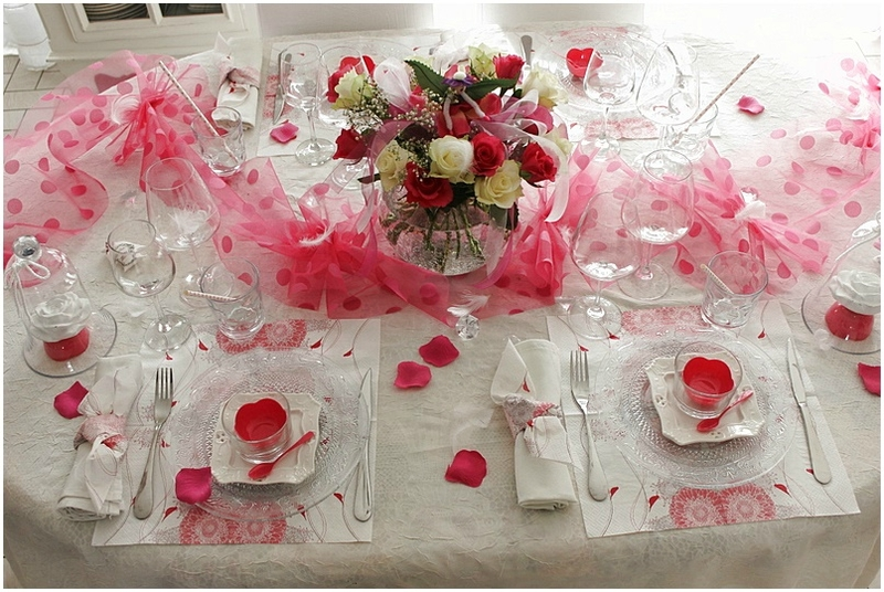 table mariage rose et blanc Nicole Passions