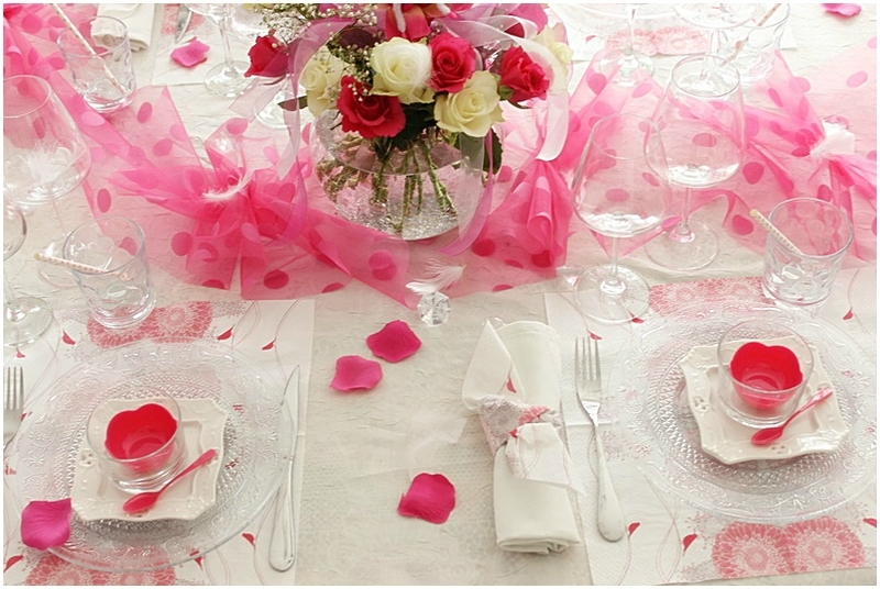 Table roses froufroutantes Nicole Passions