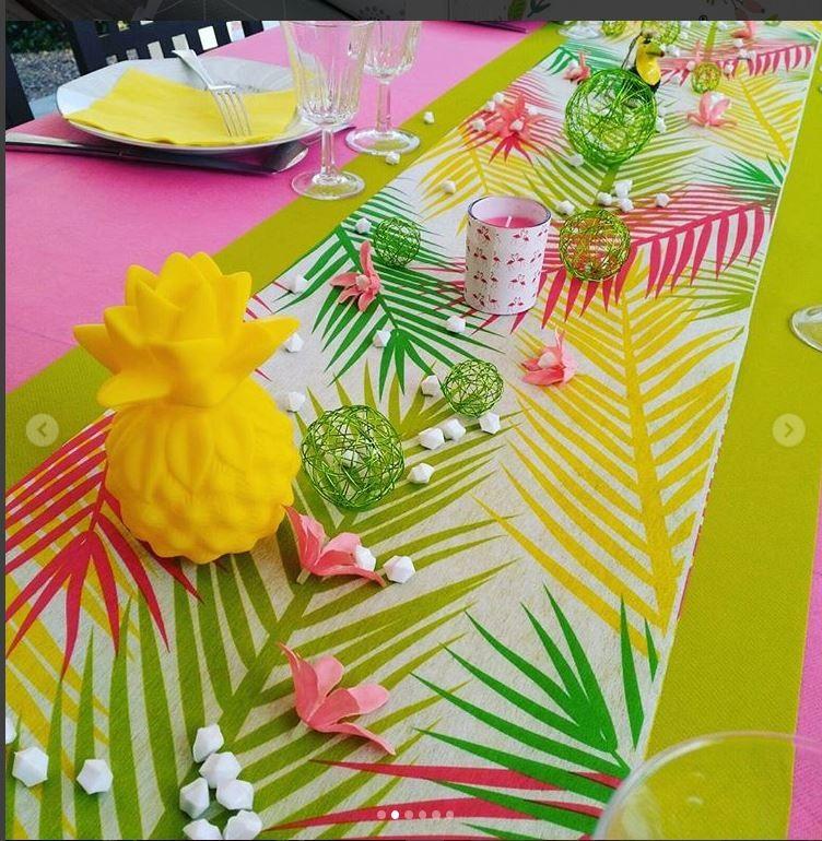 4 id es de table tropicale pour un repas tropicool cet t. Black Bedroom Furniture Sets. Home Design Ideas