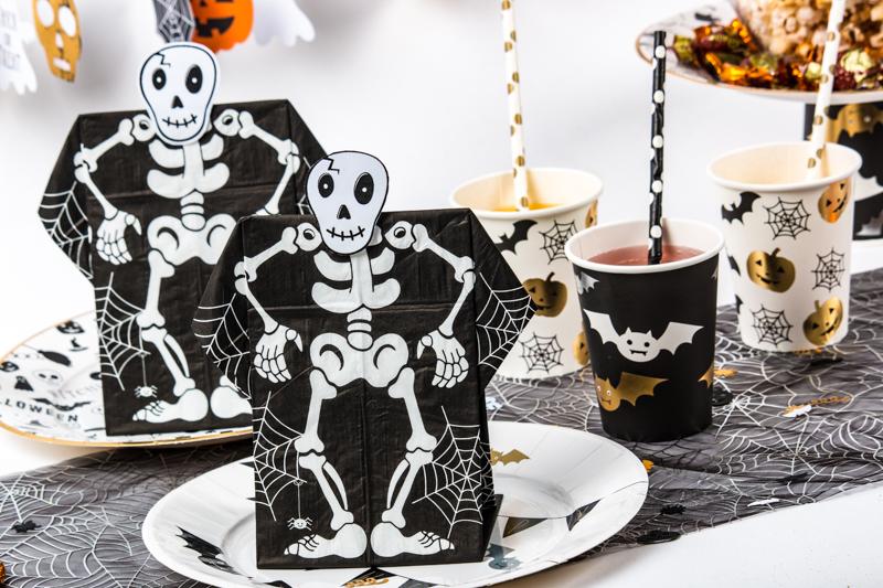 serviette prepliée halloween tête de squelette à télécharger