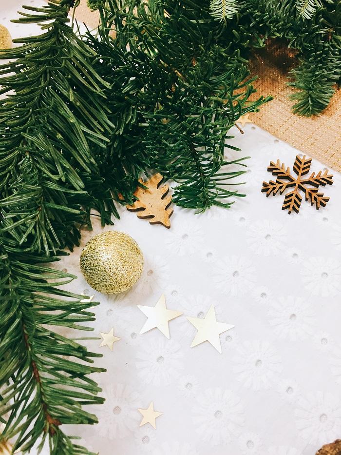 boule tissu or et confettis étoiles or