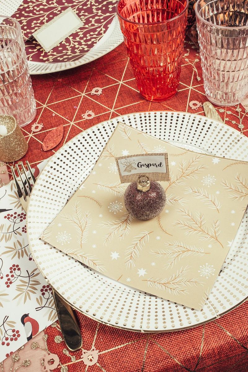 Table de Noël rouge et or