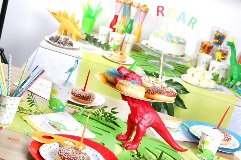 Dinosaure coloré DIY