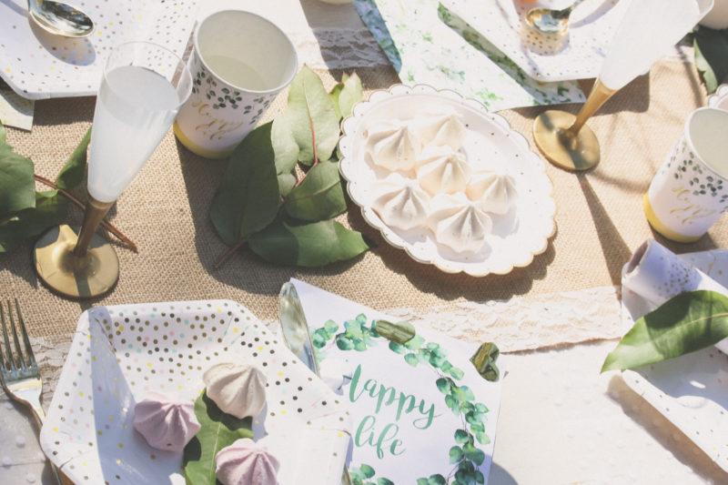 Table de mariaged - or et végétal