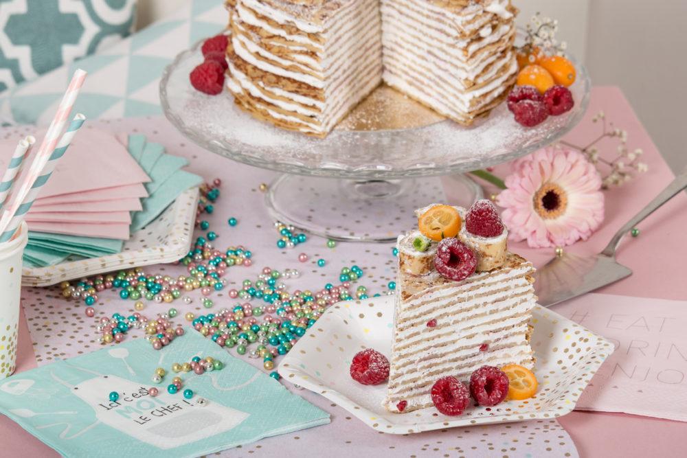 gâteau de crêpe assiette hexagonale pois3