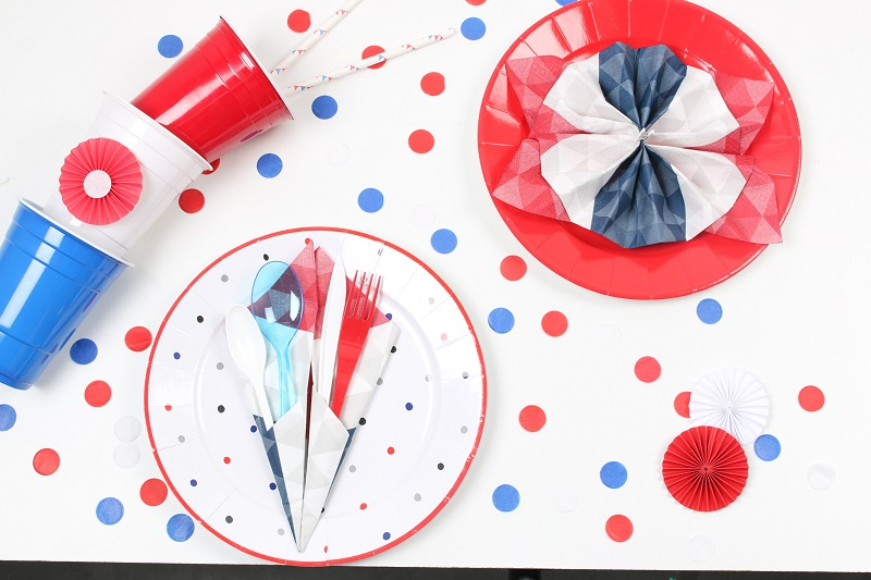 14 juillet confettis bleu blanc rouge