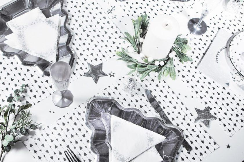 Noel blanc et argent assiette en forme de sapin