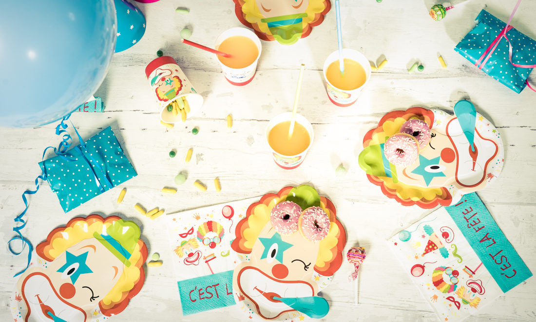 COLLECTION CLOWN POUR UNE TABLE DE CARNAVAL OU DE CIRQUE