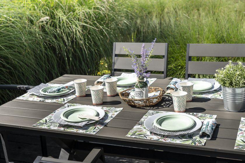 collection thème nature vert mesa bella, assiette en carton et serviette en papier