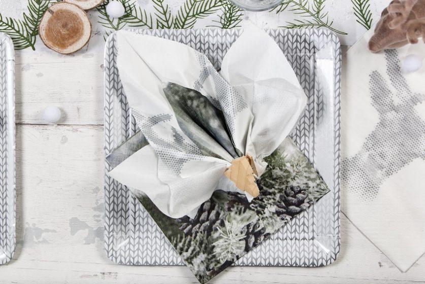 pliage de serviette forme feuille