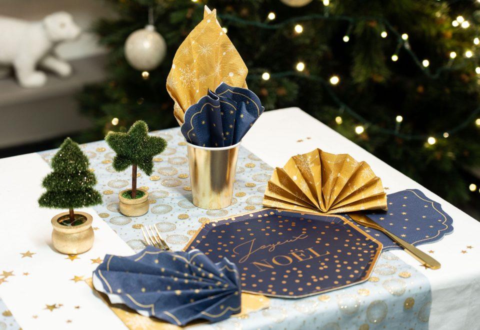 ambiance or brillant et bleu nuit pour Noël