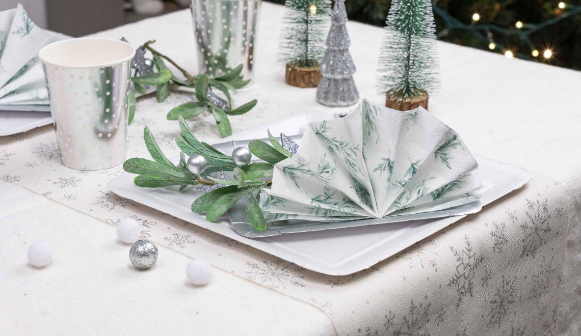table de Noël blanc argenté