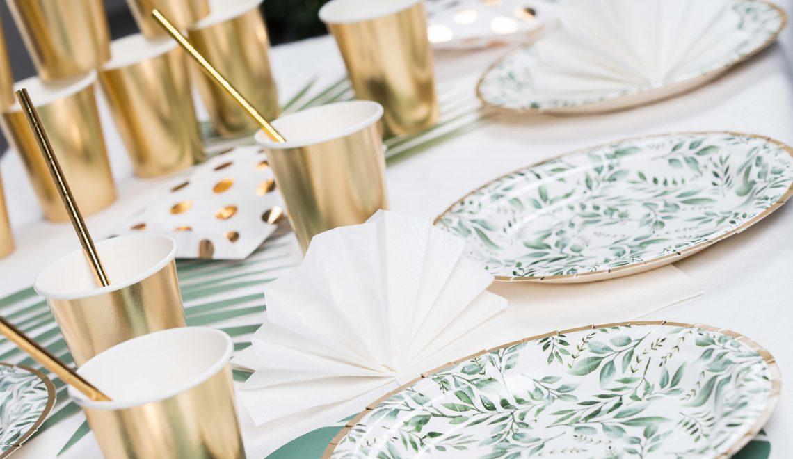table d'anniversaire adulte végétal et or